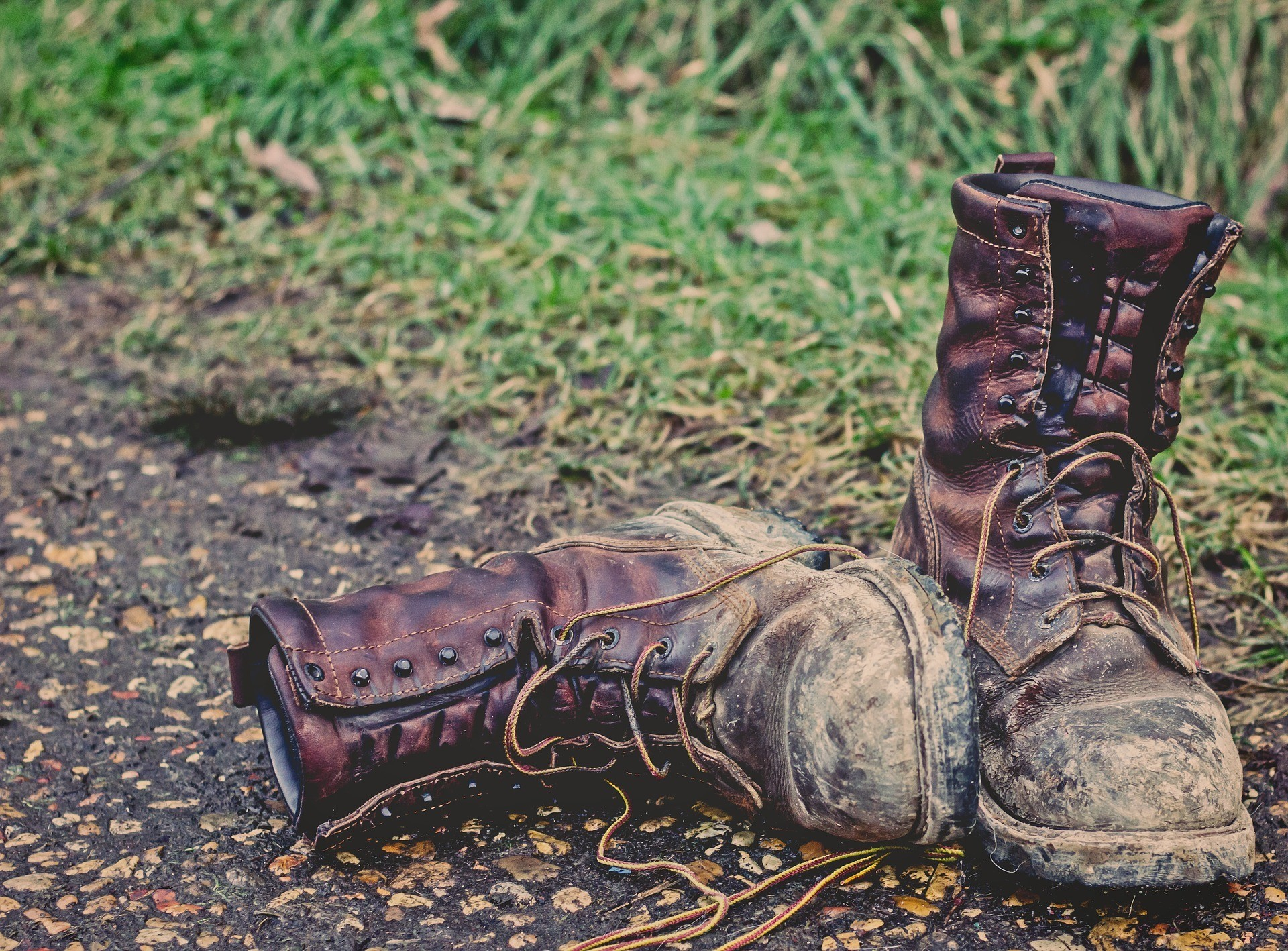Best Hunting Boots at the Grass